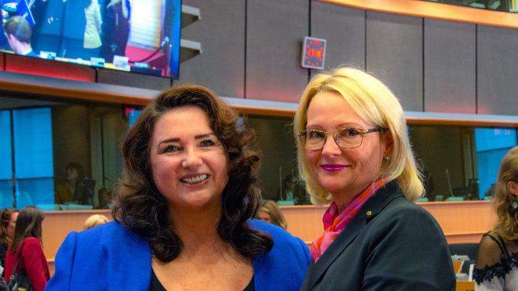 Helena Dalli och Heléne Fritzon